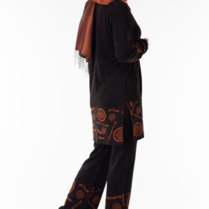 طقم نسائي أسود مطبوع تصميم حديث و جذاب - صناعة تركية