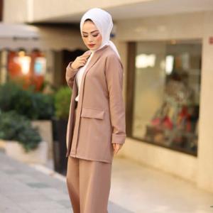 طقم نسائي بيج تصميم جذاب - صناعة تركية