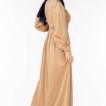 فستان نسائي بيج مع أزرار تصميم جذاب – صناعة تركية3